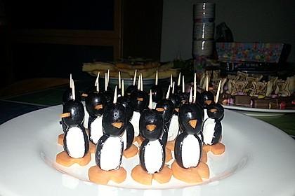 Kleine Pinguine mit Traubenfrack und Karottenfüßchen 57