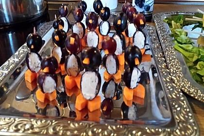 Kleine Pinguine mit Traubenfrack und Karottenfüßchen 75