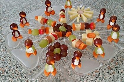 Kleine Pinguine mit Traubenfrack und Karottenfüßchen 23