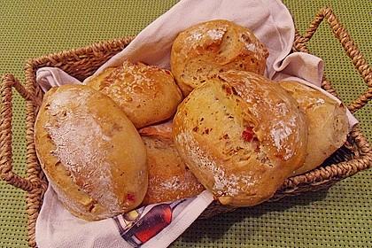 Pizzabrötchen mit Feta-Frischkäse Dip 3
