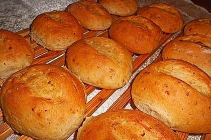 Pizzabrötchen mit Feta-Frischkäse Dip 8