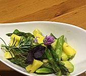 Avocado-Mango-Spargel Salat (Bild)
