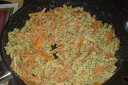 Möhren-Frischkäse Nudeln