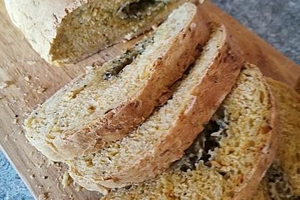 Das perfekte Brot zum Grillen mit Parmesan-Knoblauch-Füllung (Bild)