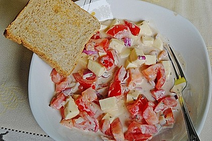 Tomaten-Mozzarella-Salat mit Joghurtdressing 1