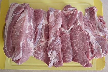 Schweinenacken-Rollbraten mit Spinat-Parmesanfüllung 4