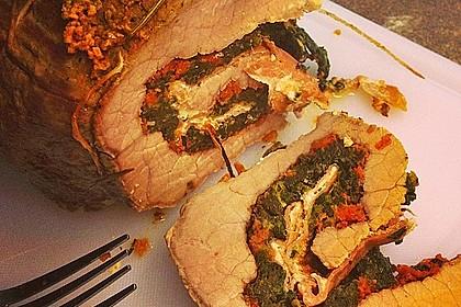 Schweinenacken-Rollbraten mit Spinat-Parmesanfüllung