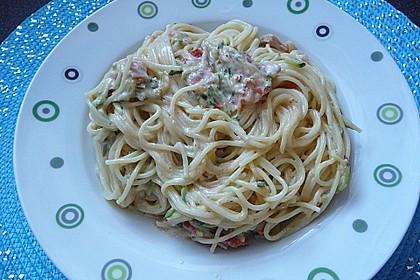 Die berühmten Zucchini-Frischkäse-Nudeln 4