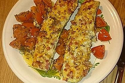Gefüllte Zucchini mit Ziegenkäse-Salbei-Honig Füllung 4