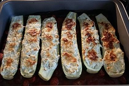 Gefüllte Zucchini mit Ziegenkäse-Salbei-Honig Füllung 2