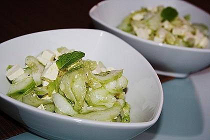 Gurkensalat mit Feta und Minze 8