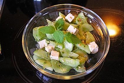 Gurkensalat mit Feta und Minze 9