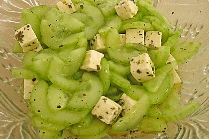 Gurkensalat mit Feta und Minze 20