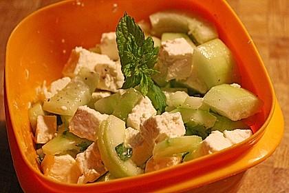 Gurkensalat mit Feta und Minze 21