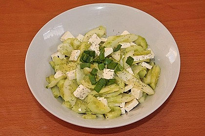 Gurkensalat mit Feta und Minze 16