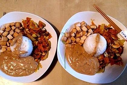 Asia-Gemüsepfanne mit Erdnusssauce 7