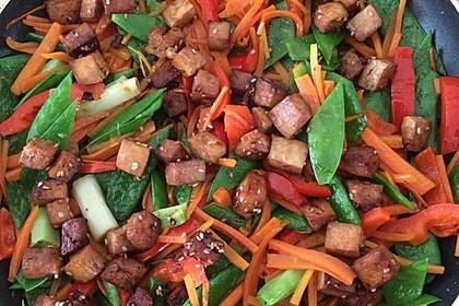 Asia-Gemüsepfanne mit Erdnusssauce 8