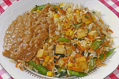 Asia-Gemüsepfanne mit Erdnusssauce 2