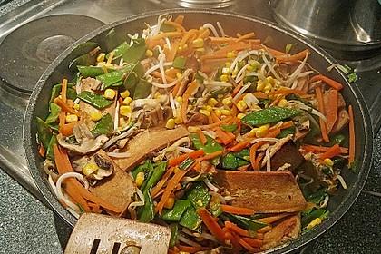 Asia-Gemüsepfanne mit Erdnusssauce 5