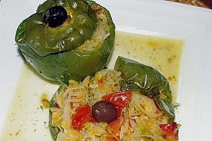 Paprikaschote,  mit Weißkraut und roten Linsen gefüllt 1