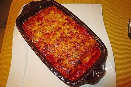 Käse-Brokkoli Cannelloni in Tomatensauce