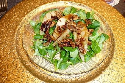 Feldsalat mit gebratenen Birnen und Walnüssen 25