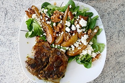 Feldsalat mit gebratenen Birnen und Walnüssen 4