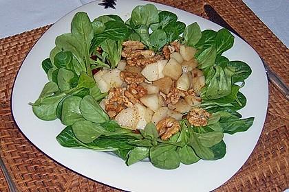 Feldsalat mit gebratenen Birnen und Walnüssen 21
