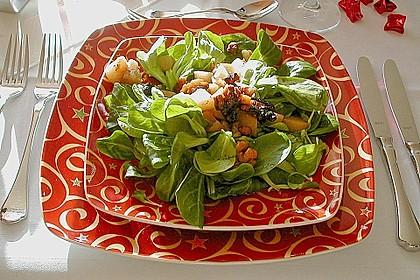 Feldsalat mit gebratenen Birnen und Walnüssen 9
