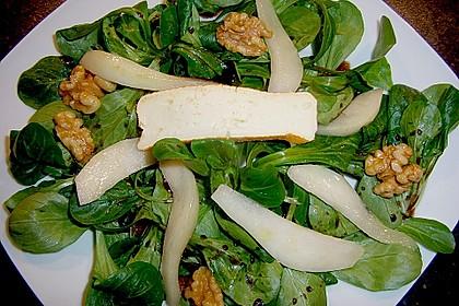 Feldsalat mit gebratenen Birnen und Walnüssen 35