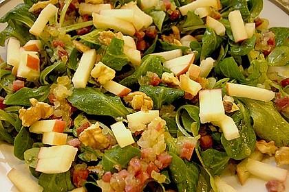 Feldsalat mit gebratenen Birnen und Walnüssen 63