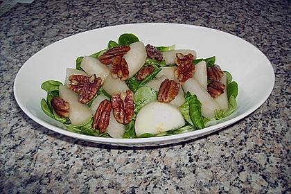 Feldsalat mit gebratenen Birnen und Walnüssen 50
