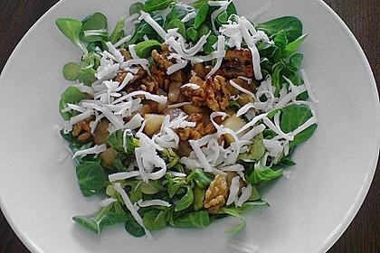Feldsalat mit gebratenen Birnen und Walnüssen 14