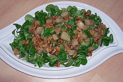 Feldsalat mit gebratenen Birnen und Walnüssen 39