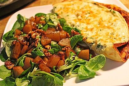 Feldsalat mit gebratenen Birnen und Walnüssen 51