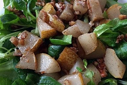 Feldsalat mit gebratenen Birnen und Walnüssen 40