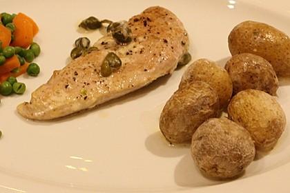 Kalbsschnitzel in Weißwein-Sahnesoße mit Kapern