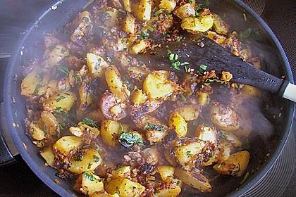 Herbstliche Kartoffel - Gemüse Pfanne mit Pastinaken 1