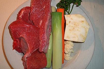 Rinderbrühe mit Kräuterflädle 3