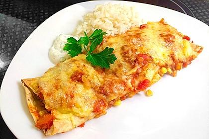 Würzige Burritos mit Reis und Sourcream