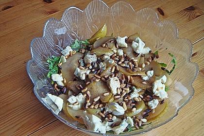 Rucolasalat mit karamellisierten Birnen, Blauschimmelkäse und Pinienkernen 5