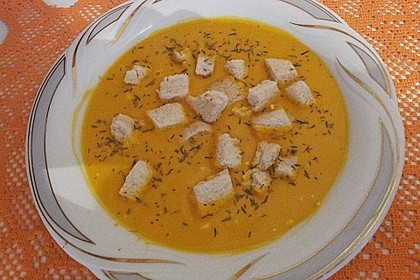 Kartoffel-Kürbis-Suppe mit Croutons 14