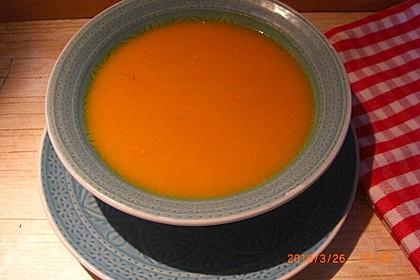 Kürbis-Apfel-Ingwer-Suppe
