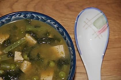 Grüne Gemüsesuppe mit Tofu und Miso 1