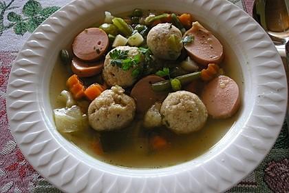 Leckere Suppeneinlage aus Semmelbrösel 1