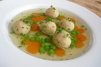 Leckere Suppeneinlage aus Semmelbrösel 3