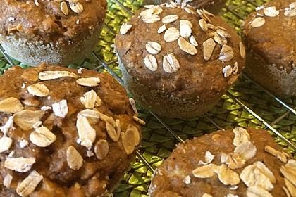 Leichte Apfel-Muffins mit Haferflocken und Zimt 16
