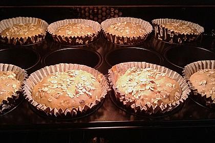 Leichte Apfel-Muffins mit Haferflocken und Zimt 12