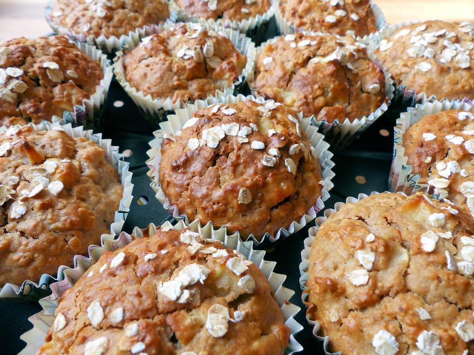 Leichte Apfel Muffins Mit Haferflocken Und Zimt Chefkoch De