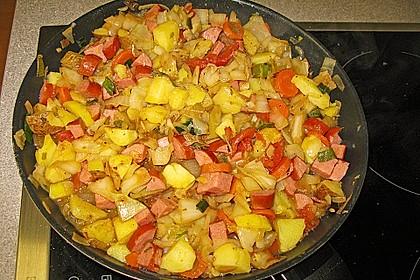 Kartoffeleintopf mit Würstchen